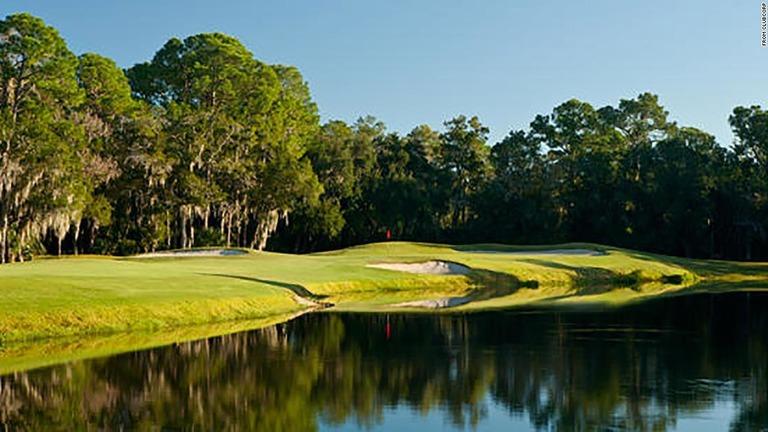 死亡した男性は友人と一緒に、フロリダ州オールドスマーのゴルフコースを回っていた/From ClubCorp
