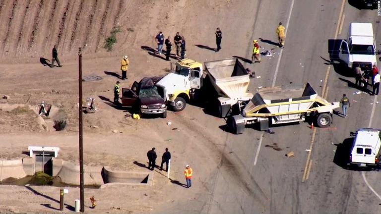 米カリフォルニア州のメキシコ国境付近でトレーラーとSUVが衝突した/KCAL/KCBS