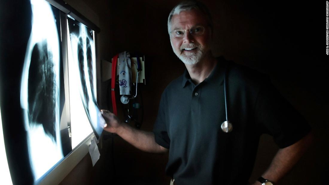 ロックヒルの病院で撮影されたレスリーさんの写真=2009年3月/John D. Simmons/The Charlotte Observer/AP