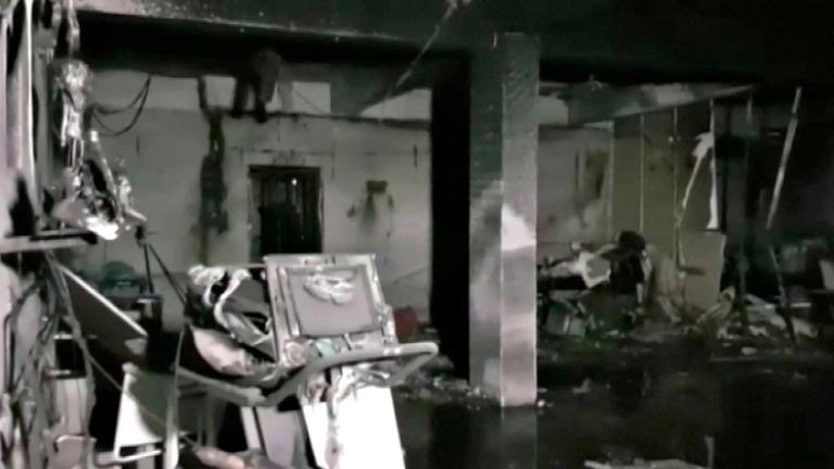 インド、コロナ病院の火災で死者18人 酸素切れで患者死亡も