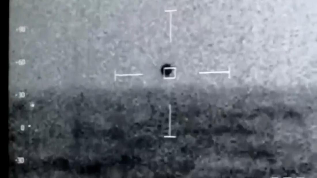CNN.co.jp : 海中に消えるUFO、海軍撮影の動画が新たに流出 米