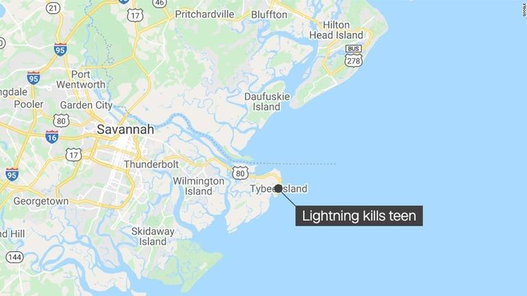 米ジョージア州沖で遊泳中だった15歳の女性が落雷に遭って死亡した/Google