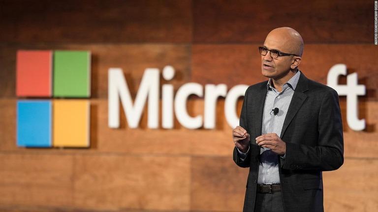 米マイクロソフトの会長にナデラCEO、クラウド企業への変革をけん引