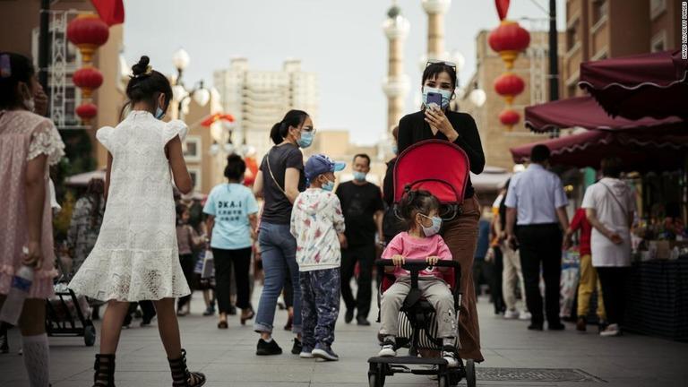 人口増加が必要な中国、産児制限を撤廃しない理由は「新疆」か