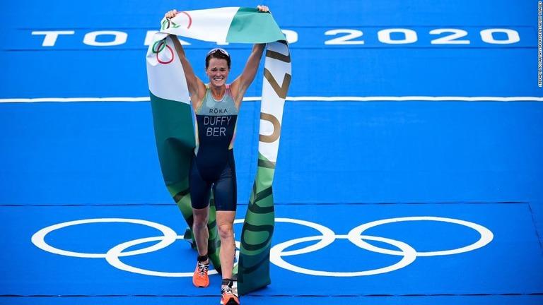 バミューダ、五輪史上「最小」の金メダル獲得地域に ダフィー選手が感激の勝利