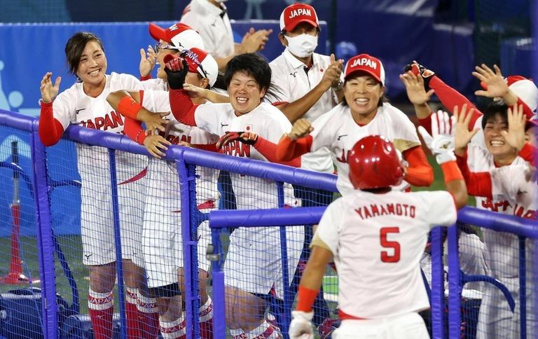 ソフトボール、日本が金メダル 米国を完封