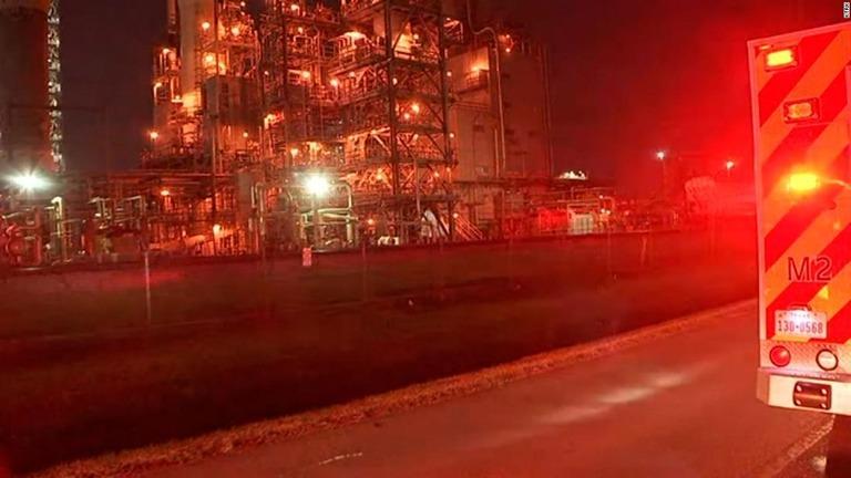 化学工場で薬品漏出 2人死亡、4人がやけど 米テキサス州