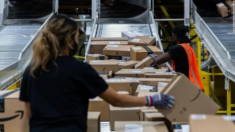 米アマゾン、12万5000人を雇用へ 時給は2000円