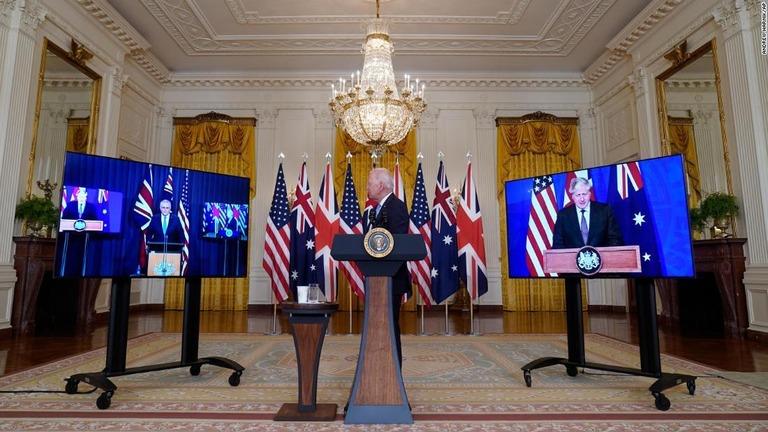 豪州への原潜技術供与、フランスが反発 米国は新パートナーシップを擁護