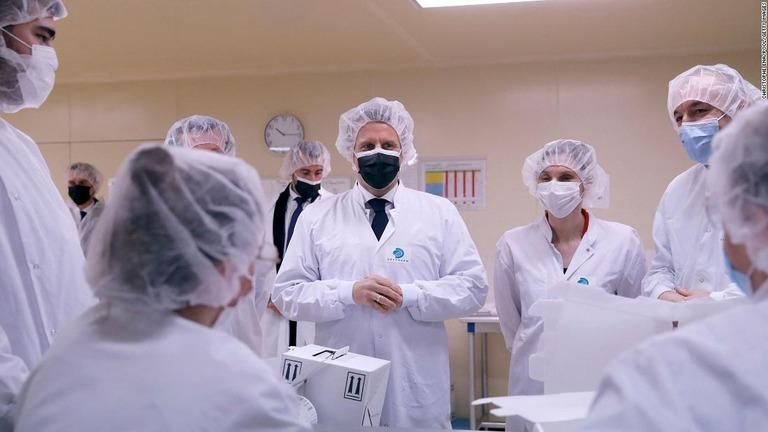 フランスの医療従事者3千人、ワクチン打たず停職処分