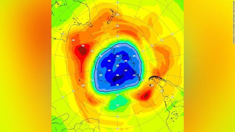南極上空のオゾンホール、南極大陸上回る大きさに