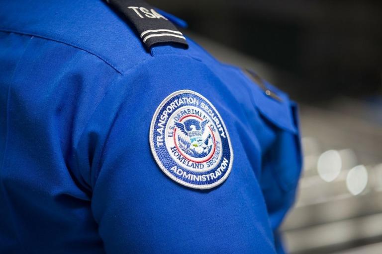 コロナ感染の職員は1万人超、空港で荷物検査の米運輸保安庁
